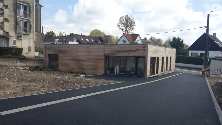 Construction Bois en Red cedar avec toiture terrasse